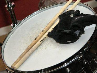 Comment bien choisir ses baguettes pour jouer de la batterie ?